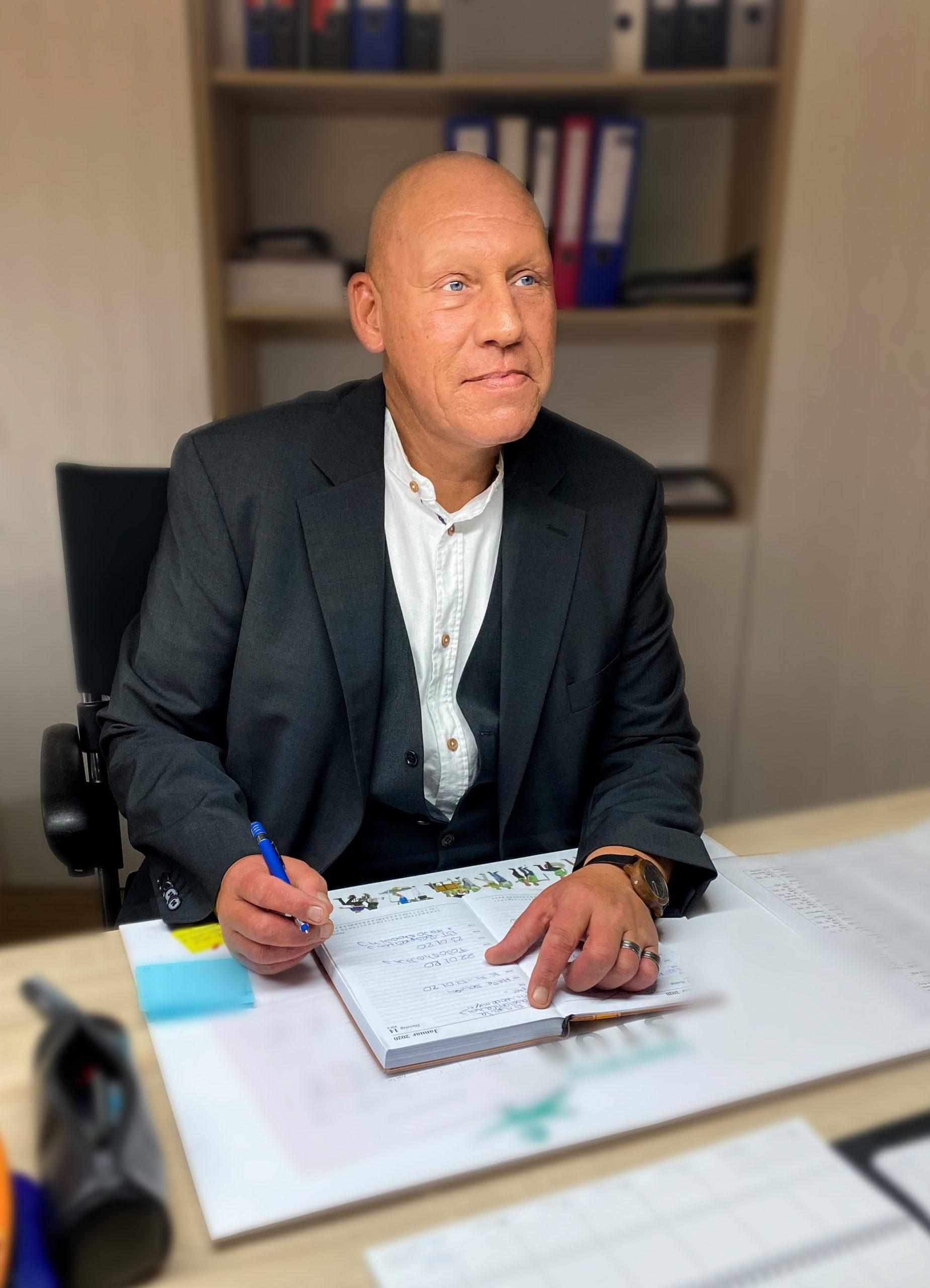 Hr. Matthias Schröck
